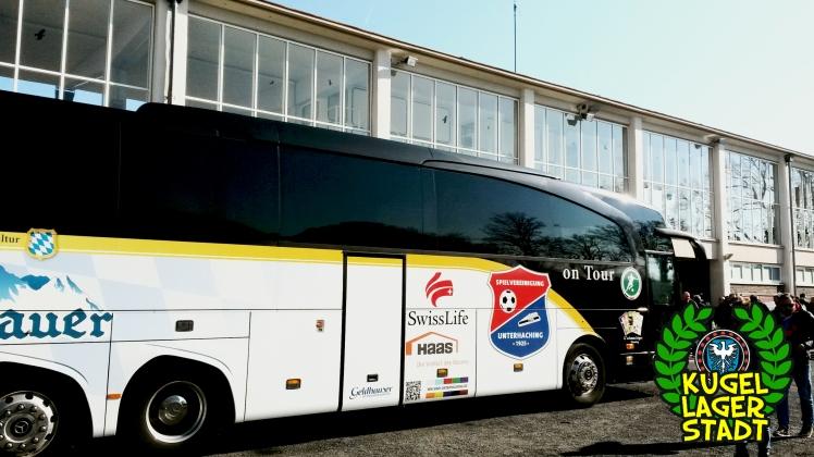 Mannschaftsbus Unterhaching