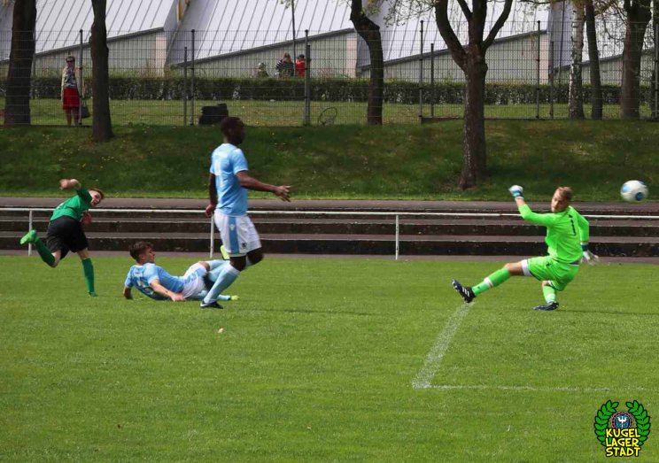 FC Schweinfurt 05 trotzt dem TSV 1860 München in der U17-Bayernliga ein 2-2 ab (10)