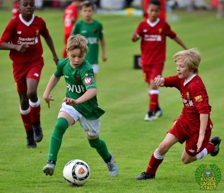 FC_Schweinfurt05_U10_spielt_gegen_den_FC-Liverpool (17)