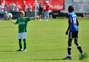 FC_Schweinfurt05_U10_spielt_gegen_den_FC-Liverpool (2)