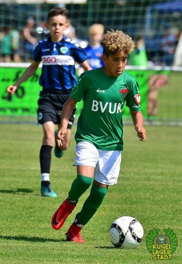 FC_Schweinfurt05_U10_spielt_gegen_den_FC-Liverpool (4)