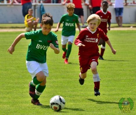 FC_Schweinfurt05_U10_spielt_gegen_den_FC-Liverpool (9)